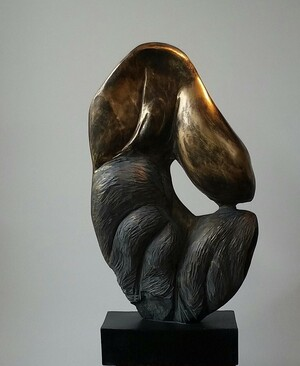 Slate sculpture, waxed and partially gilded finish, 56cm*27cm*14cm